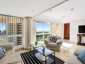 Large Beautifull Apartment With Sea And Park View photos Exterior