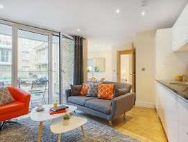 Luxurious Serviced Apartment In Limehouse photos Exterior