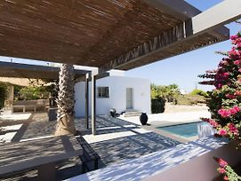 Villa Aphrodite - Elegant Villa, Sea Views, Designer Renovation photos Exterior