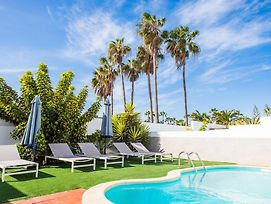 Corralejo Holiday Villa Happiness With Pool Next To Ocean And City Centre photos Exterior