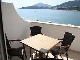 Beachfront Apartment In Becici Rafilovici Budva photos Exterior