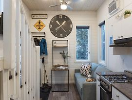 Tiny Homes By Snow Valley Lodging photos Exterior