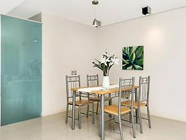 Nicely Fitted Apartment In Glen Street Milsons Point Mp006 photos Exterior