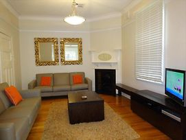 Beautifully Renovated Three Bedroom Home In Cammeray Camm3 photos Exterior