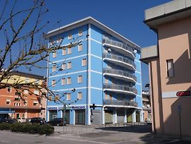 Apartment In Rosolina Mare With Two-Bedrooms 2 photos Exterior