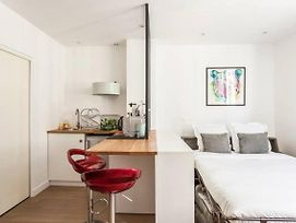Modern Studio Perfectly Equipped And Renovated photos Exterior