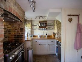 Wishbone Cottage In The Cotswolds photos Exterior