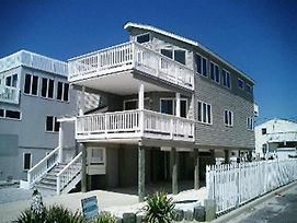 Ocean Side Home A Few Houses To The Beach Located In Ship Bottom 35436 photos Exterior