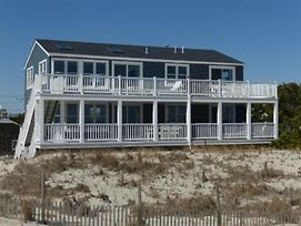 Spectacular Views Newly Renovated Ocean Front 2Nd Fl Duplex. Expansive Deck Much Larger Than The Average Deck. Ship Bottom 2Fl 139280 photos Exterior