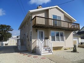 Brant Beach Oceanside Home With A Short Walk To The Beach. Get A Peek Of The Ocean/Bay Views Fro The Master Bedroom Deck. Large Backyard 131059 photos Exterior