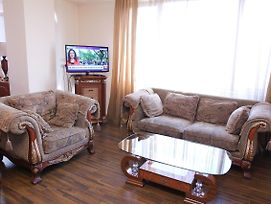 Central Yerevan 2 Bedrooms Penthouse Apartment With Balcony View Near Republic Square photos Exterior