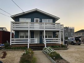 Bay Side Second Floor Duplex In Ship Bottom Walking Distance To Shops Pubs Resturants 140561 photos Exterior