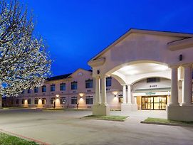 Surestay Plus Hotel By Best Western Quanah photos Exterior