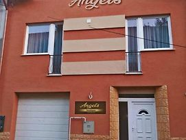 Angel S Vendeghaz photos Exterior