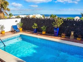 Puerto Del Carmen Villa Sleeps 6 Pool Air Con Wifi photos Exterior