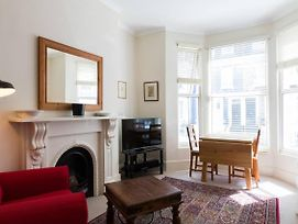 Light And Comfortable 1 Bed Apartment In Fulham photos Exterior
