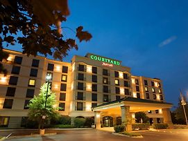 Courtyard By Marriott Louisville Airport photos Exterior