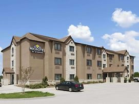 Microtel Inn & Suites By Wyndham Gonzales photos Exterior