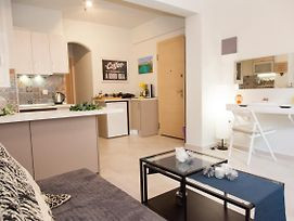 Charming Apartment In Mets/Central Athens Minutes From Syntagma photos Exterior