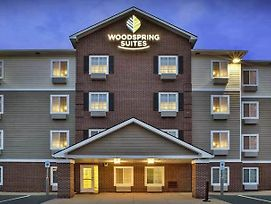 Woodspring Suites Holland photos Exterior