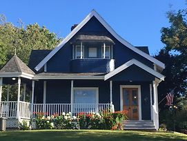 Tayberry Victorian Cottage B&B photos Exterior