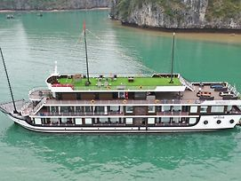 Halong Serenity Cruise photos Exterior