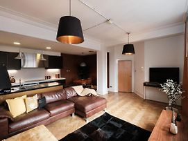 Luxurious 2 Bedroom Apartment In The Heart Of The City Centre photos Exterior