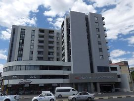 Executive Two Bedroom Apartment, City Junction photos Exterior