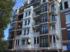 Old Batumi Spacious Apartment photos Exterior
