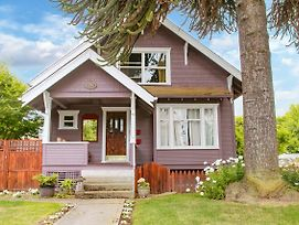 Artsy Historic Craftsman photos Exterior