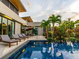 Villa Tinggi By Tropiclook photos Exterior