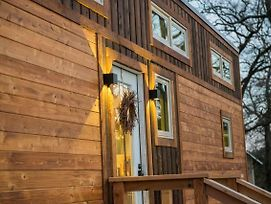 Elegant Tiny House In Wacoa Near Magnolia photos Exterior