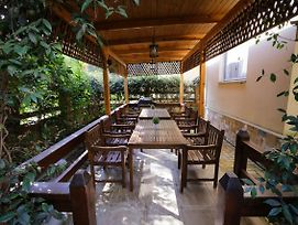 Pine Tree Apt W Private Garden 50 M From The Sea photos Exterior