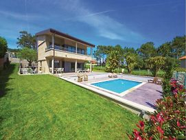 Four-Bedroom Holiday Home In Pontevedra photos Exterior