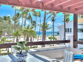 Beautiful Beachfront 2-Bdr Apt D301 photos Room