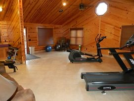 White Oak Lodge And Resort Three Bedroom Cabin #209 photos Exterior