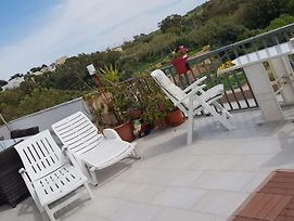 Stunning Views 4 Bedrooms Penthouse In Marsaxlokk photos Exterior
