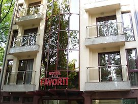 Favorit photos Exterior