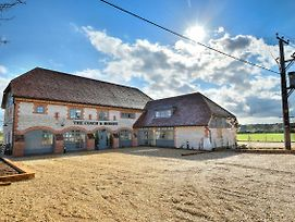 The Coach And Horses photos Exterior