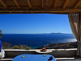 House With A Garden In Kardiani Village Tinos photos Exterior