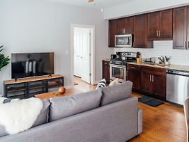 Sparkling Condo In Lakeview, 7-Minute Walk To Wrigley Field N3 photos Exterior