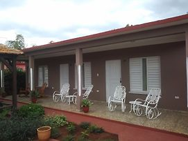 Hostal Leonel Millo  photos Exterior