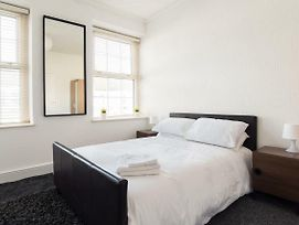 Entire 1 Bed Flat In City Centre To Enjoy photos Exterior