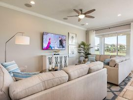 Imagine Your Family Renting This Luxury Contemporary Style Villa On Reunion Resort And Spa, Orlando Villa 2992 photos Exterior