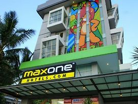 Maxone Hotels At Malang photos Exterior