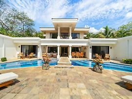 Beachfront House Private Pool & Large Bbq Area photos Exterior