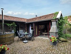 Cozy Holiday Home In Musselkanaal With Hot Tub photos Exterior