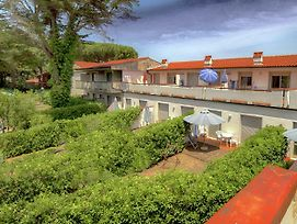 Lovely Holiday Home In Giannella Near Beach photos Exterior