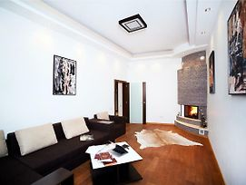 Apartments With Fireplace On Rybna photos Exterior