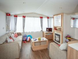 Holiday Home Caravan Perran Sands.6 photos Exterior